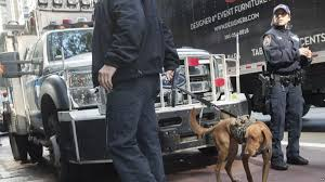 100 Police Truck Tab 10 Pipe Bombs Sent To Trump Critics