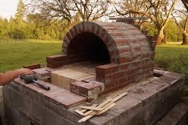 four a pizza exterieur diy réalisez un four à pizza en extérieur pour de belles soirées