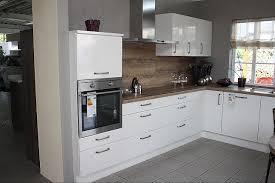 561 weiss hochglanz moderne l küche in weiss