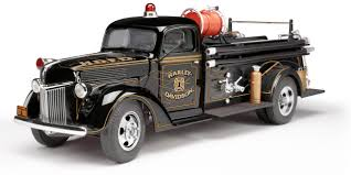 100 Diecast Promotions Trucks Highway 61 1946 Chevrolet Fire E