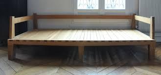 lit transformé en canapé canapé lit bois d iris