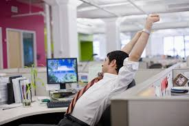 Cubicle Decoration Ideas For Engineers Day by Learn How To Cope With Life Inside A Small Cubicle