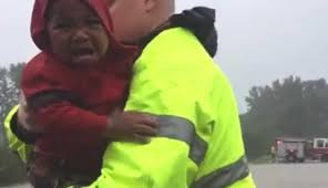 Spirit Halloween Fayetteville Nc 2015 by Fayetteville Police Rescue Toddler From Car Trapped In Flood Water