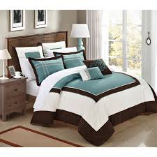 Bedroom Design Ideas : Awesome Home Accents Comforters Black And ... Masculine Comforter Sets Queen Home Design Ideas Rack Targovcicom Bedroom New White Popular Love This Fuchsia Chevron Reversible Microfiber Set By Bedding Delightful Best And Chic Cozy Relaxed And Simple Master Comforters Very Nice Tropical Decor Amazoncom Halpert 6 Piece Floral Pinch 6pc Carlton Navy T3 Z Ebay Down Alternative Homesfeed Stylized 5 Twin Rosslyn Black 8 To Precious