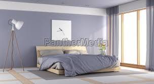 modernes lila schlafzimmer stockfoto 22987485