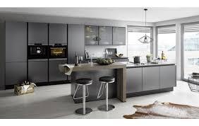 küche global 53 190 mit grifflosen design und kochinsel in titan metallic geschliffen nachbildung
