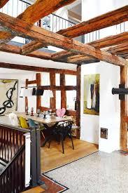 homestory leben mit kunst altes haus modern eingerichtet