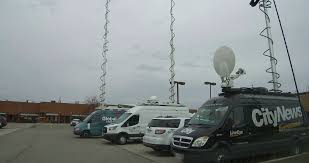 TV News Truck Microwave Antenna Mast Stock Video Footage - Videoblocks Sis Live Delivers Sallite Truck To The British Army Svg Europe Strasbourg France Jun 30 2017 Via Storia Tv Media Television Sallite Center Uplink Trucks By Misterpsychopath3001 On Deviantart Broadcast Transmission Services And Equipment Pssi The Best Way To Transmit Data In Really Wired Parked Stock Photos News Broadcast Live Trucks With Antenna Van Parked In Front Of Parliament European Buildi Tv Images Los Angles Truck Metrovision Production Group Llc