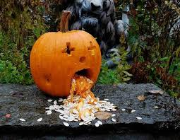 Funny Pumpkin Carvings Youtube by Funny Scary Weird And Just Plain Wrong Pumpkin Carvings Dose