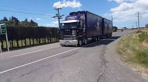 TRUCKING-NZ.COM Lindsay Taylor's V8 Mack Highway 50 Part 1 - YouTube