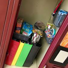 Locker Decorations At Walmart by Best 25 Middle Lockers Ideas On Pinterest Middle