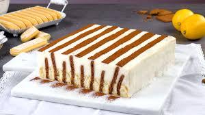 kekskuchen mit pudding im streifenlook