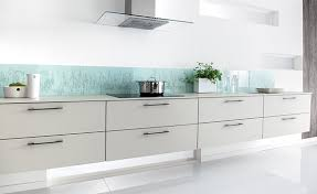cuisine credence verre crédence de cuisine en verre scalabrini ortiz schmidt