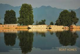 100 Boat Homes