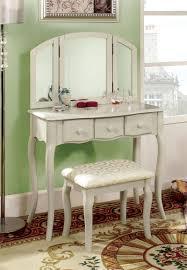 Bedroom Vanity Dresser Set by 51 Best Makeup Vanity Tables Images On Pinterest Makeup Vanities