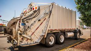 Leach 2RII Rear Load Garbage Truck Collecting Commercial Dumpsters ...