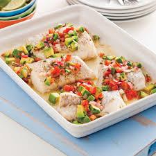 recette cuisine poisson poisson à la salsa tiède de tomates et avocat recettes cuisine