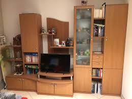 wohnzimmerverbau kirsche dekor kommode 2 regale