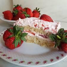erdbeer mascarpone torte vegan und munter
