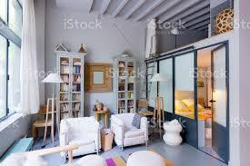 zeitgenössisches wohnzimmer loft studio wohnung schlafzimmer stockfoto und mehr bilder architektur
