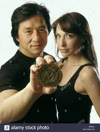 100 The Madalion JACKIE CHAN CLAIRE FORLANI THE MEDALLION 2003 Stock Photo