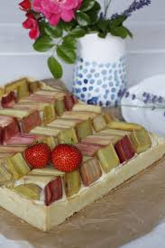 rhabarber pudding kuchen rezept für glückliche juni tage