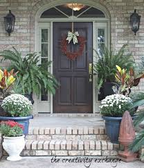 Outdoor Christmas Decorations Ideas Pinterest by For Front Porch Es On Pinterest Outdoor Holiday Decorating Hgtvus