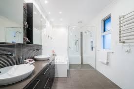 abstand zwischen spiegelschrank und waschtisch perfekt