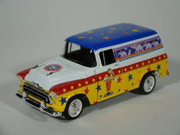 100 1957 Chevy Panel Truck MRCHQ Collectible Die Cast Ringling Bros Barnum Bailey