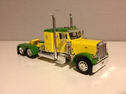 Green & Yellow Dcp 1/64 Peterbilt 379 W/ 36