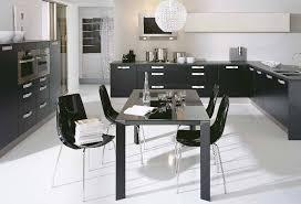 table de cuisine moderne cuisine cuisinella extrait du catalogue 10 photos