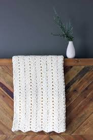This Chunky Crochet Blanket Pattern Makes A Perfect Timeless Baby Gift But Once You Feel