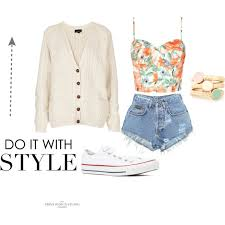 Cute Stylish Summer Outfit Perfect For The Beach Or