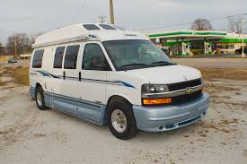 2004 Chevy RoadTrek 190 Popular Class B RV