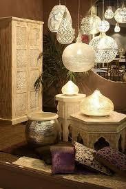 arabische möbel kissen schrank len lüster palme
