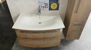 badkombination spiegelschrank waschtisch badezimmer
