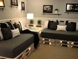 Living Room Corner Seating Ideas by Best 25 Pallet Couch Ideas On Pinterest Pallet Sofa Pallet