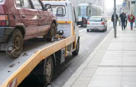 100 Truck Roadside Assistance Car Towing In The City Stock Photo
