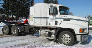 1992 Mack CH613 Semi Truck | Item L1840 | SOLD! December 30 ... Freightliner Trucks In Iowa For Sale Used On Buyllsearch 1986 Semi Truck Item Bz9906 Sold November 48 Flatbed Trailers For Irving Denton Txporter Truck Truck Trailer Transport Express Freight Logistic Diesel Mack Ari Legacy Sleepers 2001 Sterling At9500 Sale Sold At Auction July 21 Dons Auto Hauling Corngrain Bins Farm Proud To Be A Farmer Minnesota Railroad Aspen Equipment Jordan Sales Inc 2007 Columbia Cl120st E4650 Show Historical Old Vintage Trucks Youtube