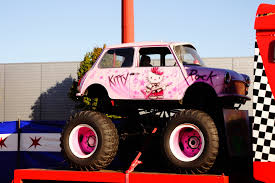SPOT A CAR: Mini Cooper 1959-2000 Monster Truck, France