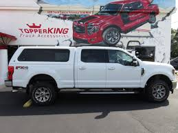 100 Retractable Truck Steps 2018 White Ford F250 Super Duty LEER 100XR TopperKING TopperKING