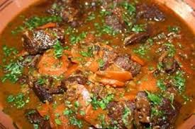 cuisiner joue de porc recette joues de boeuf aux épices aux carottes et aux raisins 750g