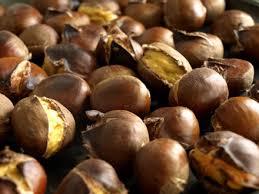 cuisiner des marrons frais comment éplucher facilement les châtaignes cookismo recettes