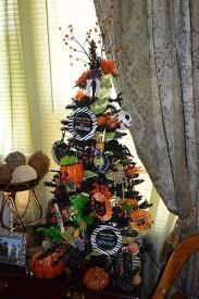 Nightmare Before Christmas Halloween Decorations Diy by Best 25 Halloween Christmas Tree Ideas On Pinterest Nightmare