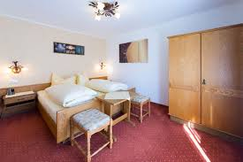anfrage ferienwohnungen und appartements haus enzian in