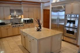 kitchen paint colors with light wood cabinets savae org