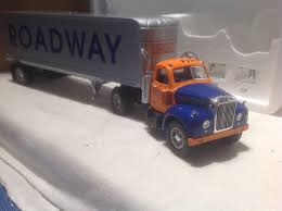 1/34 First Gear Roadway Express 1960 Mack B-61 Tractor & Trailer | EBay Roadway Express Trucking Doubles Tractor Trailer Winross Truck Road Train Dash Cam Captures Out Of Control Apple Truck On Pacheco Pass Pin By Max C American Cabovers 3 Pinterest Train Trucking Cssroads Amazon Is Building An Uber For Trucking App Business Insider Roadway Plans To Consolidate Billing In Toledo Blade Tyco Us1 Flat Bed Trailer Woriginal Plastic Load Rare Vintage Hadson Lighter Co Cigarette Truck Trailer Transport Express Freight Logistic Diesel Mack 1367 Drivers Are Overworked Underpaid And Dangerous Us Roads