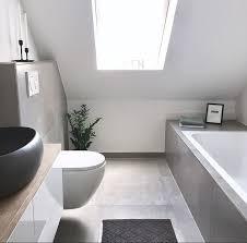 master bathroom betonoptik schwarz holz grau