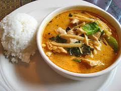 cuisine thailandaise traditionnelle poulet au curry et pousses de bambous cuisine thailandaise des