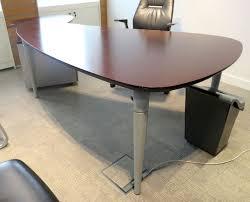 meuble bas bureau bureau wenge de marque majencia de forme palette 212 x 115 cm lot